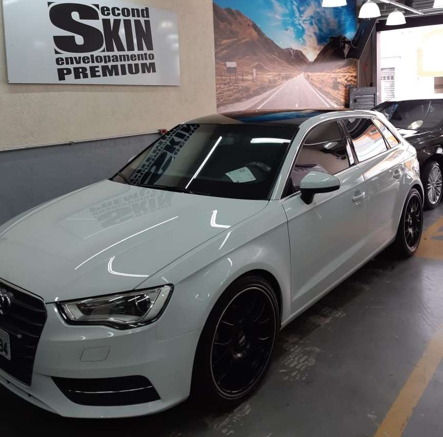 Audi A3 Hatch com Teto com Oracal 970 Black Piano Premium